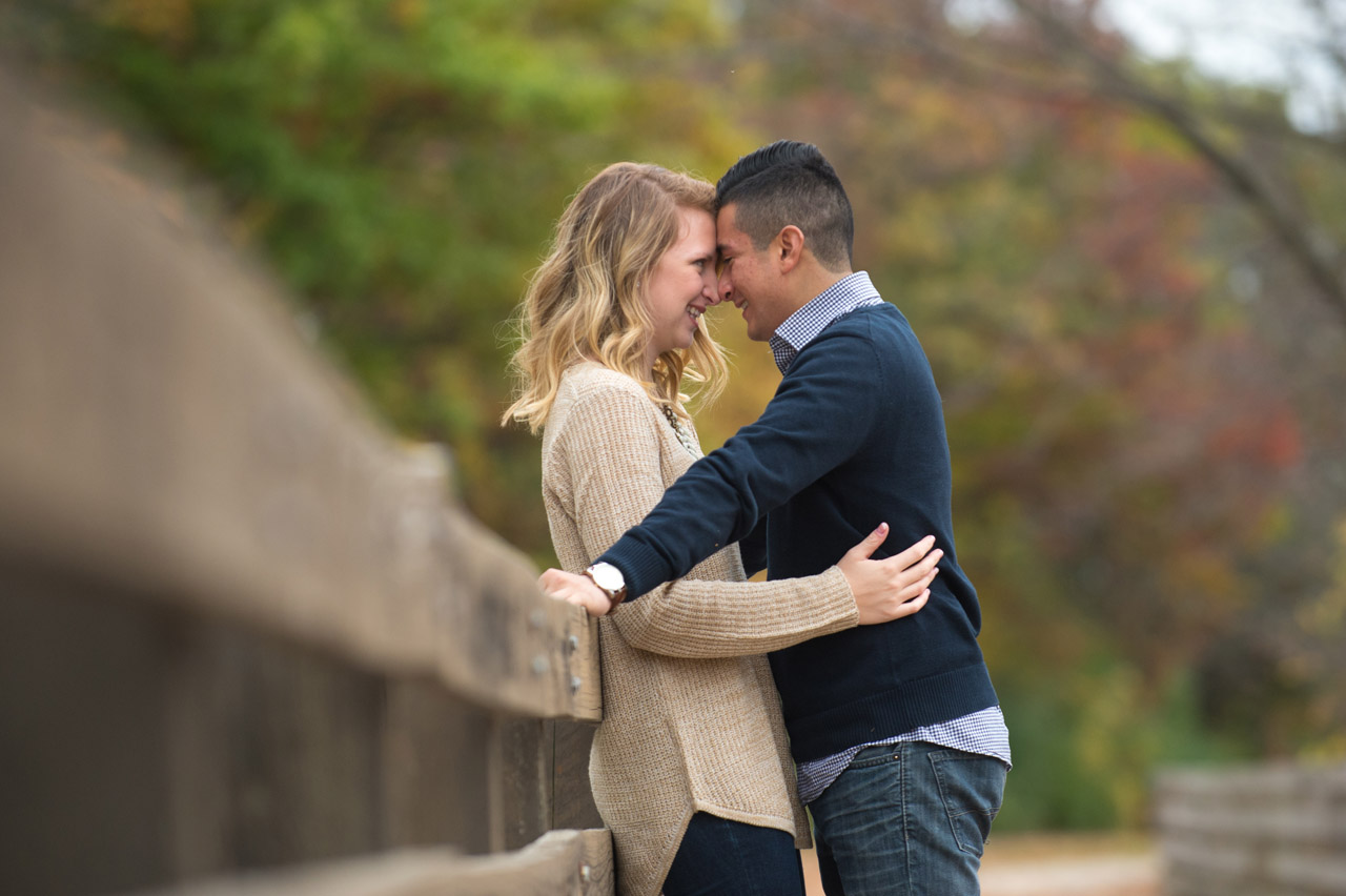 dennis-felber-photography-milwaukee-river-parkway-engagement-01
