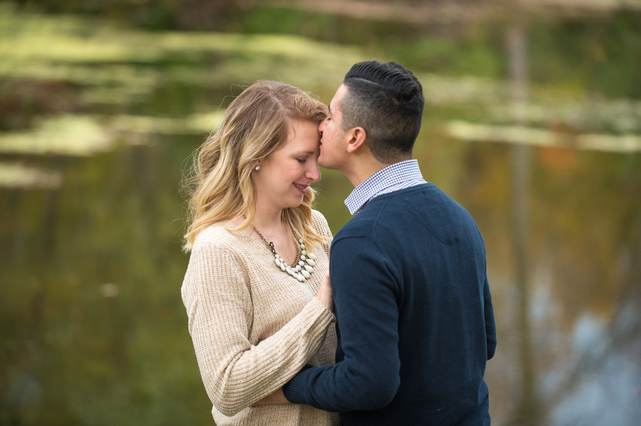 dennis-felber-photography-milwaukee-river-parkway-engagement-10