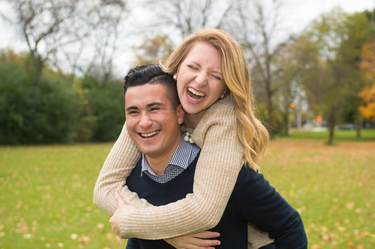 dennis-felber-photography-milwaukee-river-parkway-engagement-17