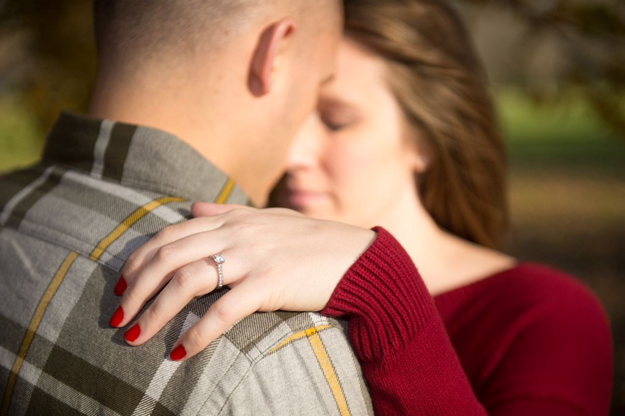 dennis-felber-photography-milwaukee-river-parkway-engagement-19